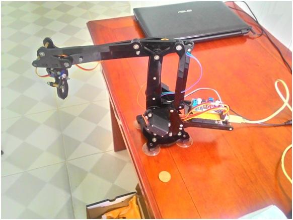 Cánh tay robot bậc tự do Điều khiển bằng máy tính dùng